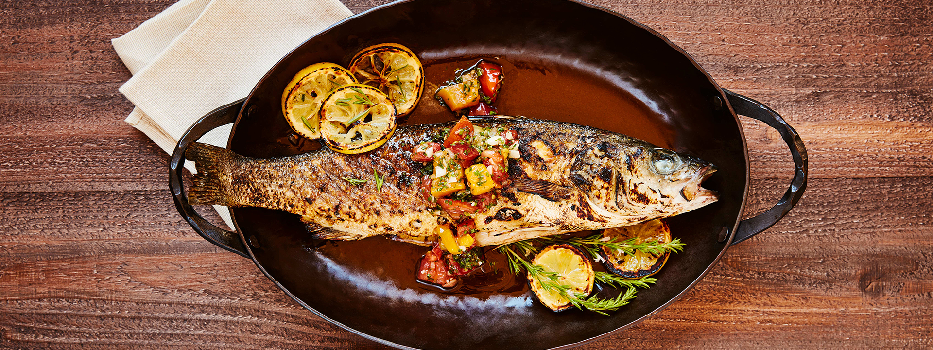 Fish dish with lemon and seasoning