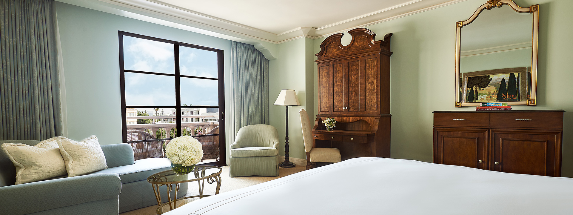 Premier Balcony King Room bedroom view